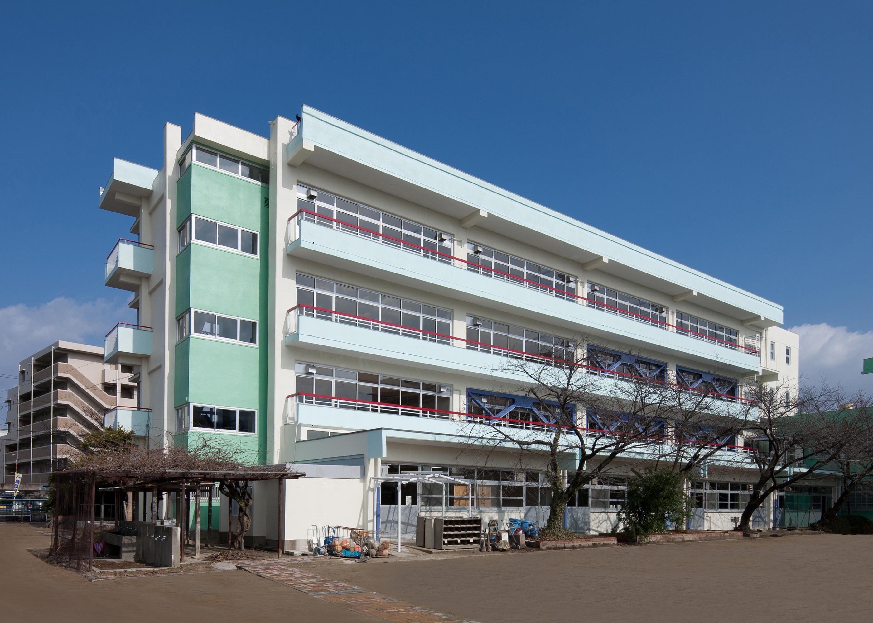 八雲中学校校舎棟耐震補強