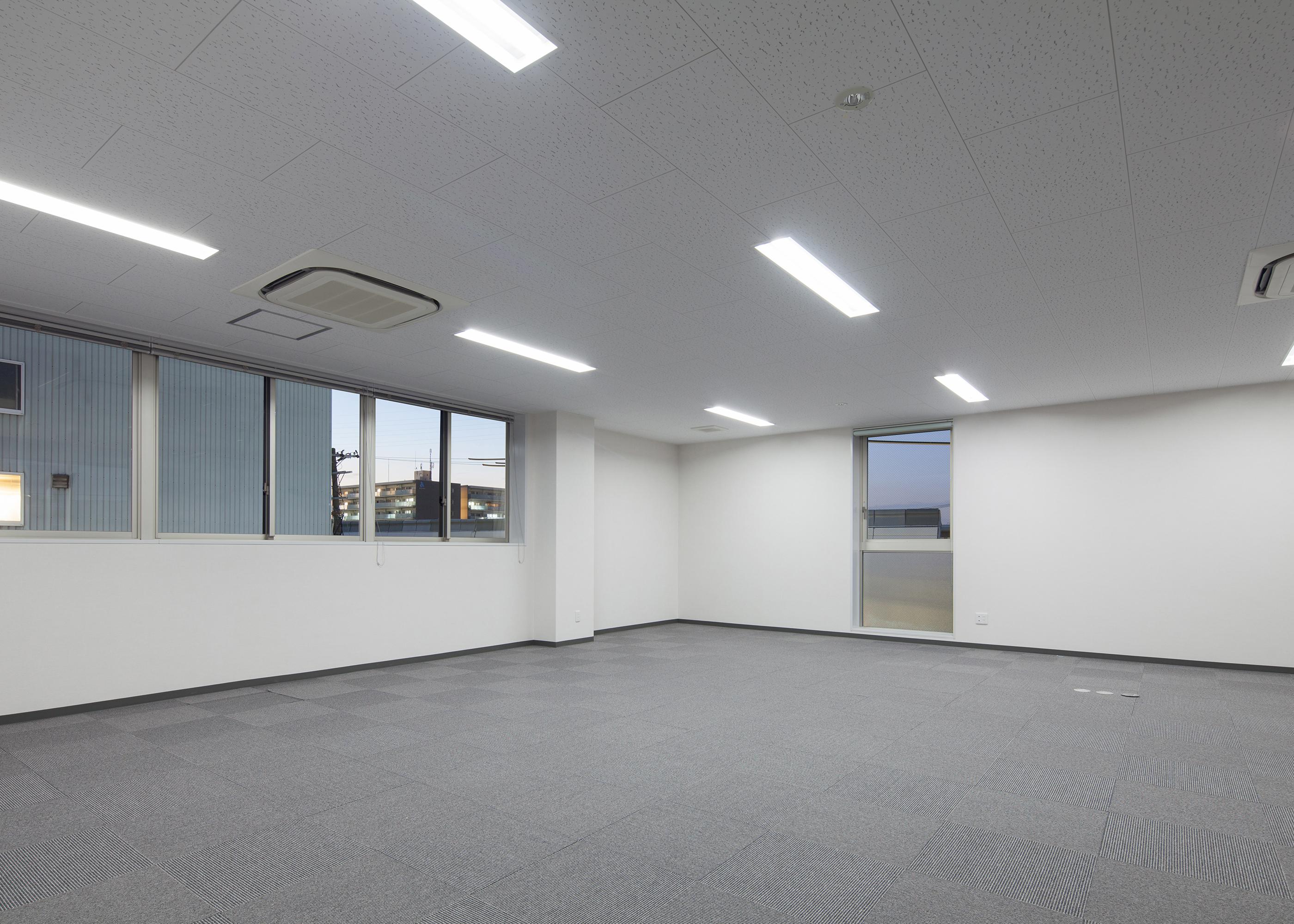 S社尼崎営業所