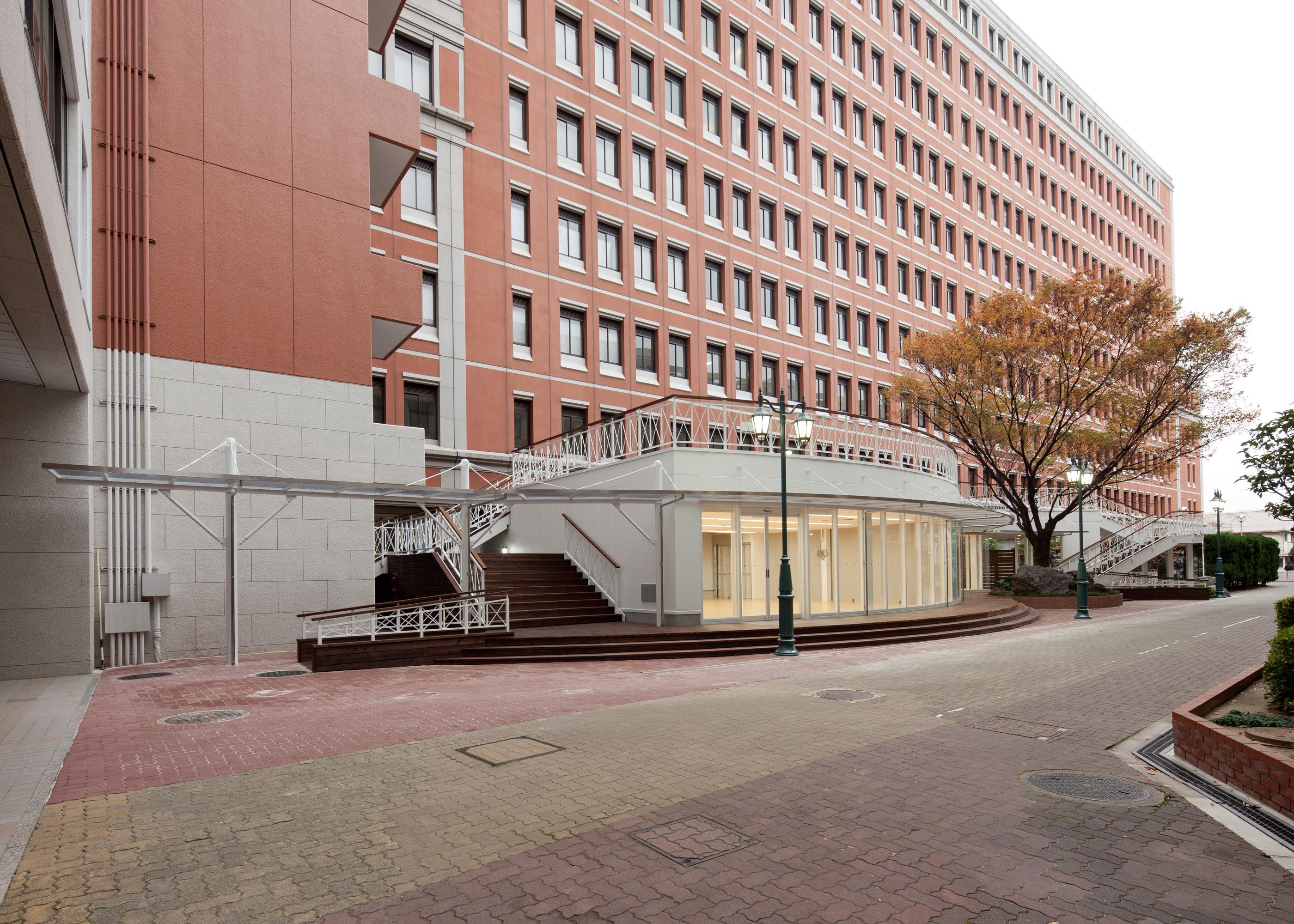 大阪工業大学大宮学舎コンビニ棟