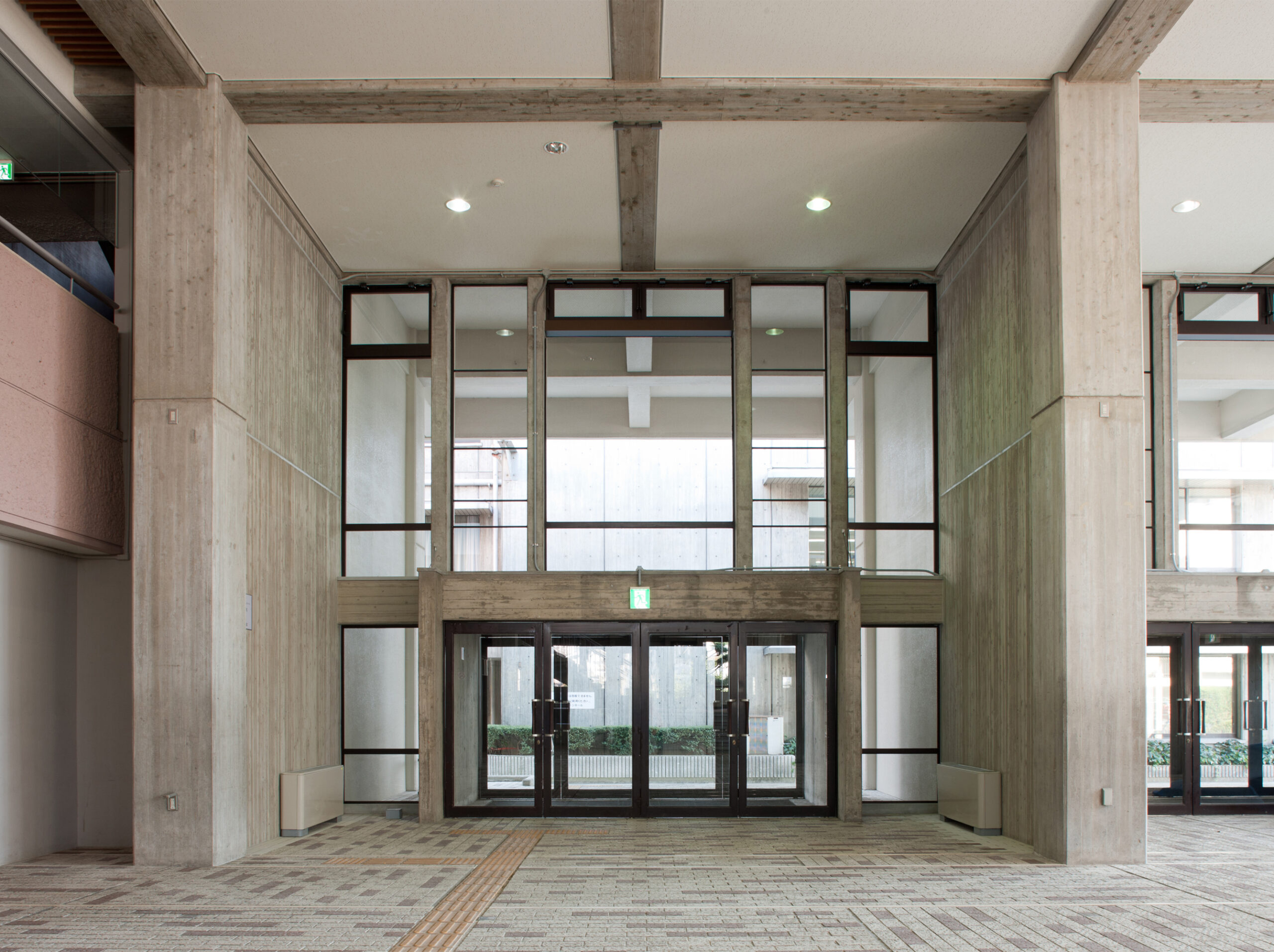 箕面市民会館耐震改修及びエレベータ設置